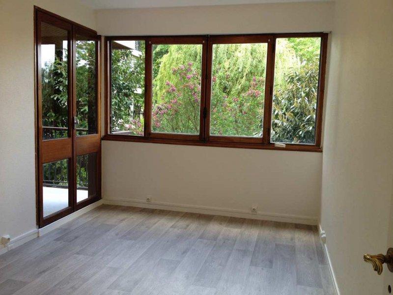 megagence appartement 2 pi ce s 59 m fontenay le fleury 78 louer 42679. Black Bedroom Furniture Sets. Home Design Ideas